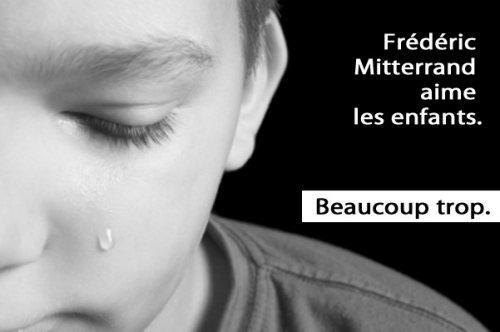 Frédéric Mitterrand aime les enfants. Beaucoup trop.  fredericmitterrandaimelesenfantsreduit