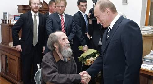 Pour une nouvelle alliance franco-russe soljenitsyne_poutine
